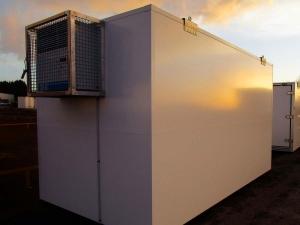 Containers maritimes transformés en chambres froides