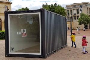Containerland.fr : transformation de conteneurs maritimes en galerie d'art