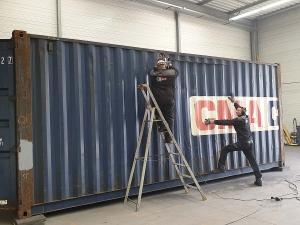Aménagement conteneur maritime en cours