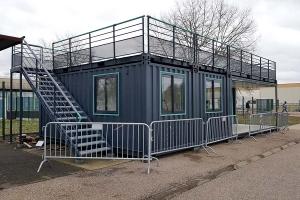 Conteneur restaurant avec terrasse pour PSA